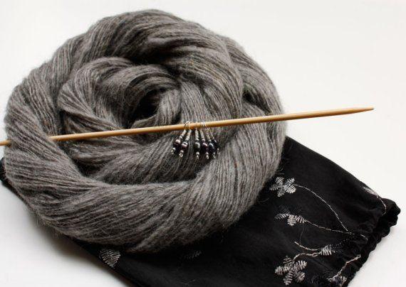 Gotland - GIFTSET of Handspun Laceweight Yarn, Taffeta Bag and Set of Elegant Pearl Stitch Markers
