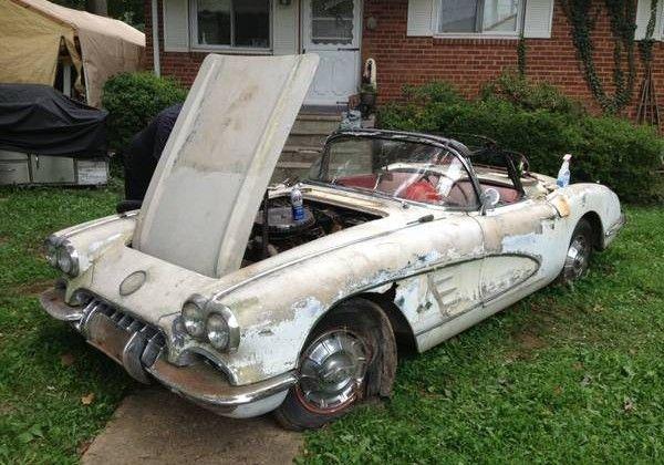 Front Yard Find 1960 Chevrolet Corvette Barn Find Cars Abandoned Cars Corvette