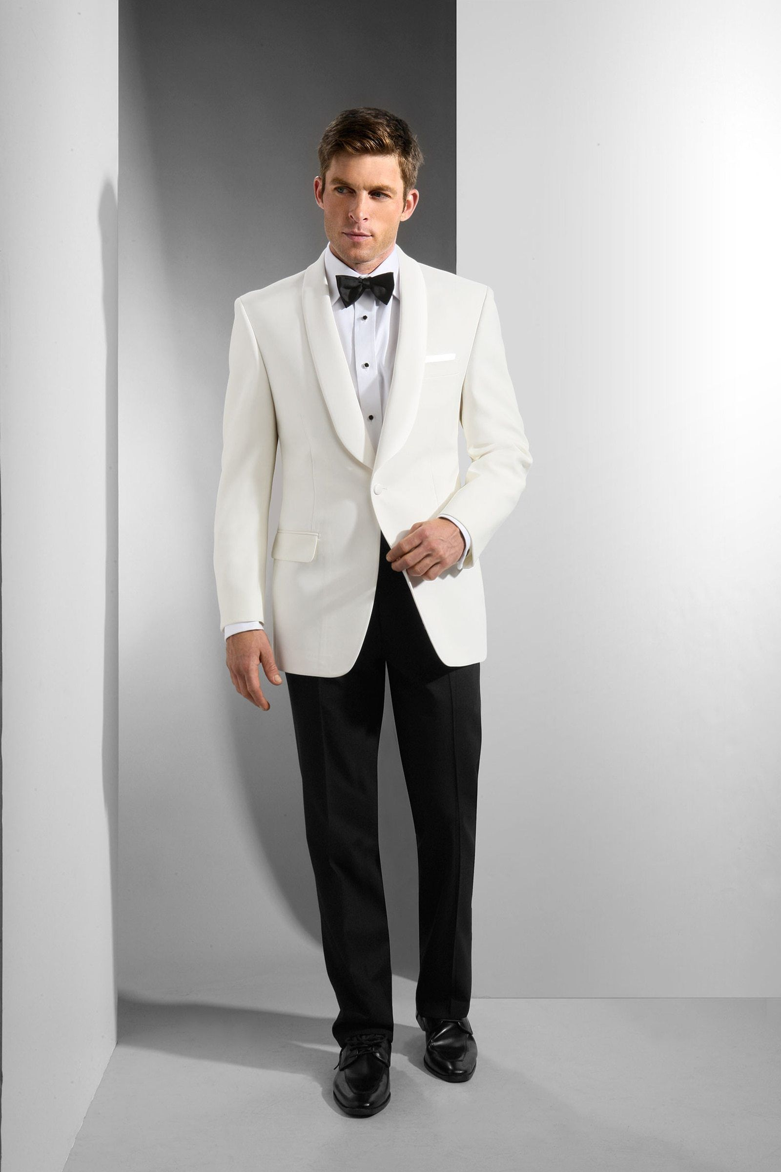 af9c5581c363 Wedding Attire for Men: The Complete Guide for 2019 | Wedding ideas ...