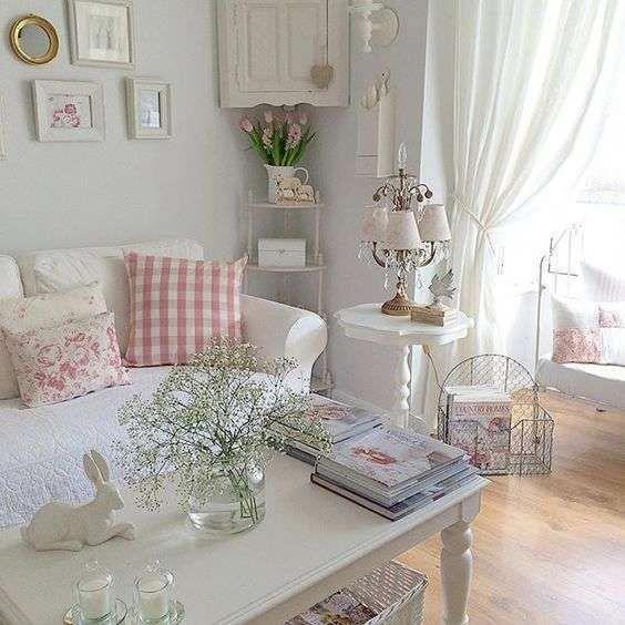 Idee per arredare un soggiorno in stile shabby chic ...