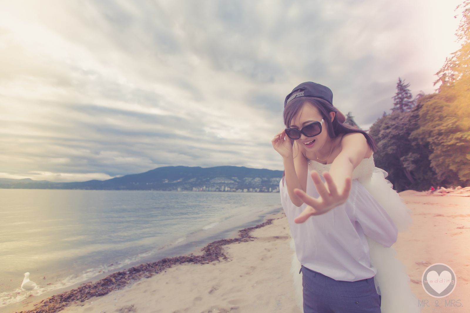 Pre wedding beach  Pin by MrMrs Wedding on Prewedding Lets go to the beach  Pinterest