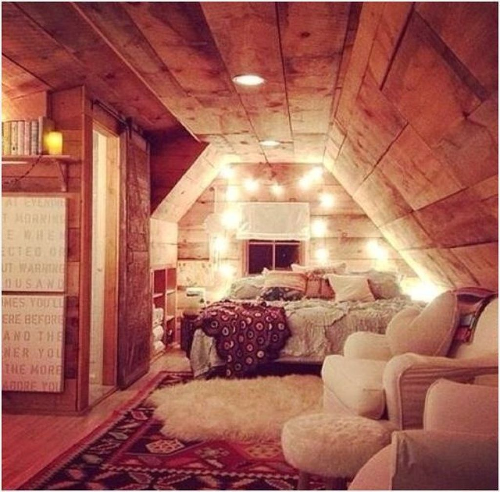 34 The Best Attic Bedroom Ideas To Maximize Your Home Awesome Bedrooms Comfy Bedroom Attic Bedroom Designs