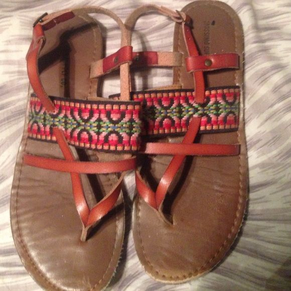 Aztec sandals super cute! Barely worn. Insanely cute! And insanely cheap! Shoes Sandals