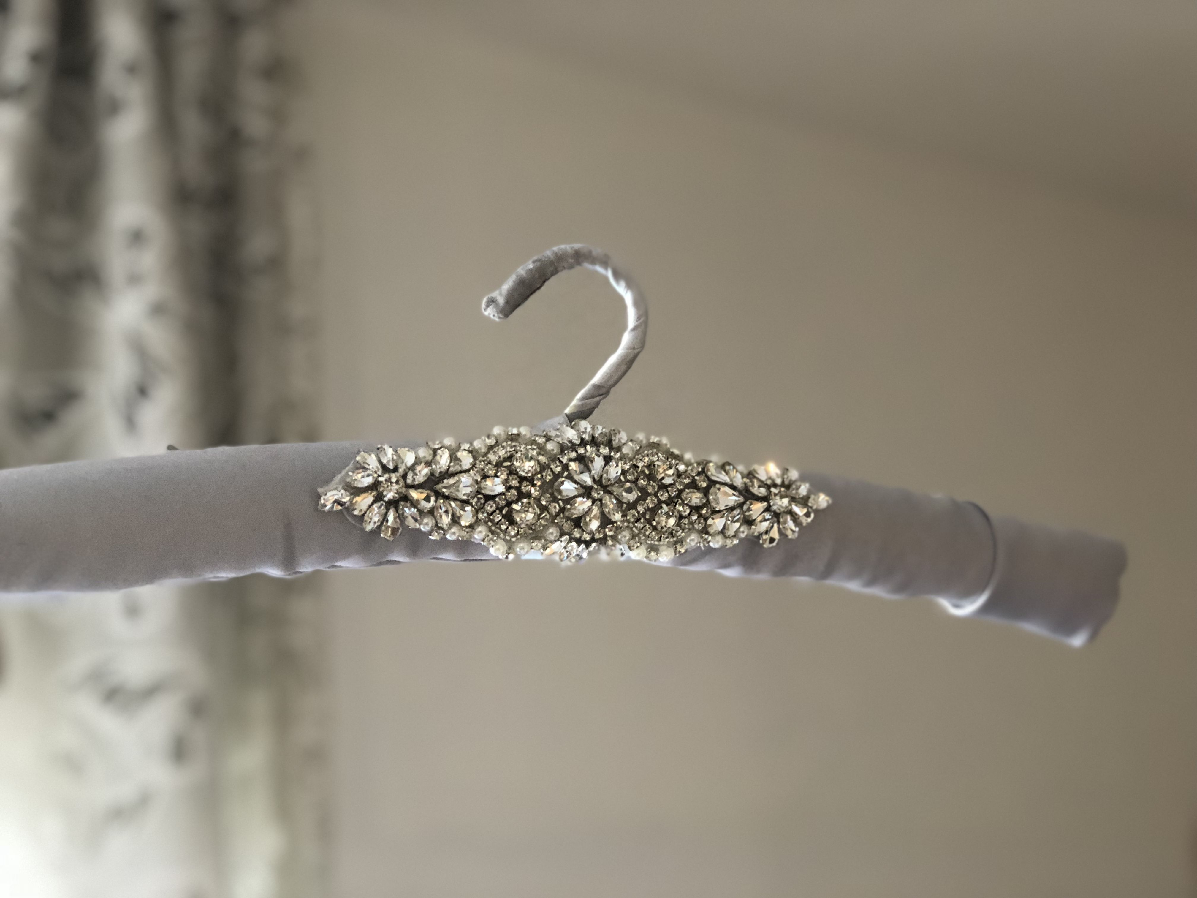 21++ Wedding dress hanger and cover information