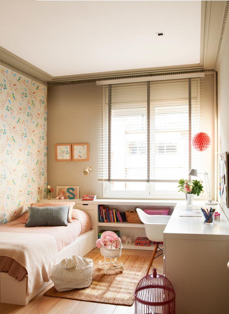 Habitación infantil, mueble a medida blanco de cama con cajones, cabecero y ...