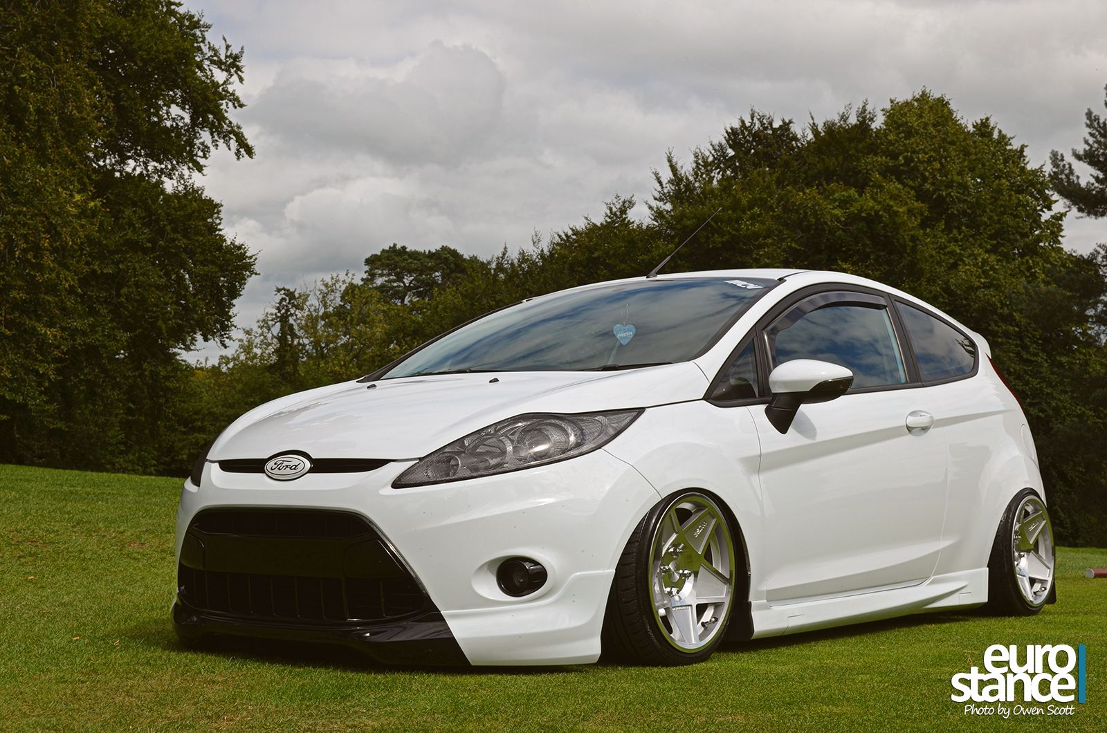 stephen chambers mk7 ford fiesta on hydraulics stance ford street stance pinterest. Black Bedroom Furniture Sets. Home Design Ideas