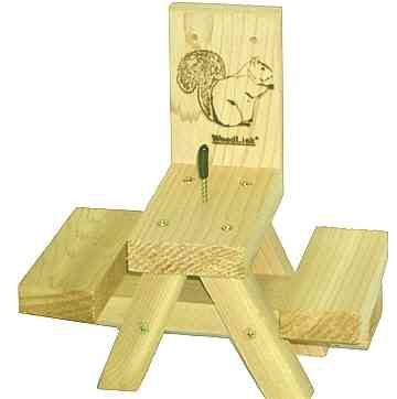 Picnic Table Squirrel Feeder 20 95 With Images Squirrel