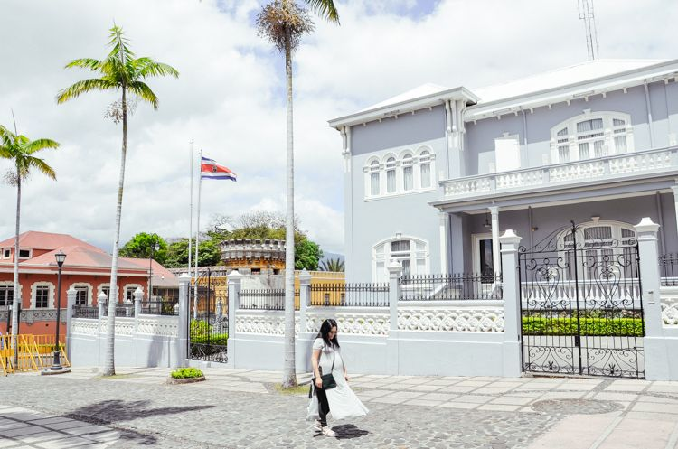 24 Hours in Costa Rica Sponge city, City guide, Design