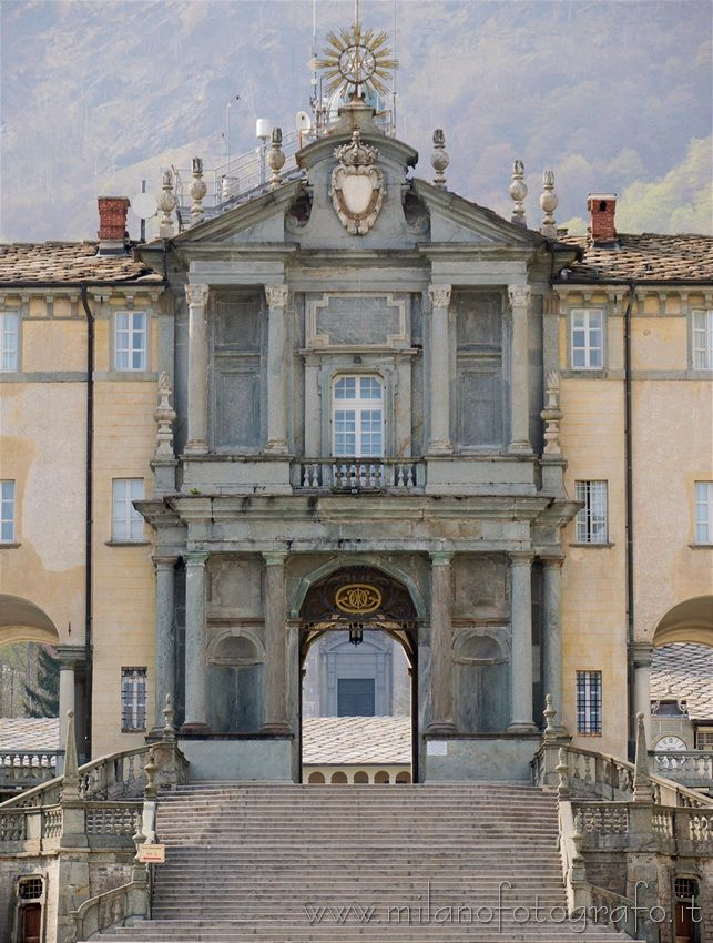 Discovering The Biella Area Italy Oropa Sanctuary Of Oropa The Porta Reale Royal Door Which Connects The Two Courts Con Immagini