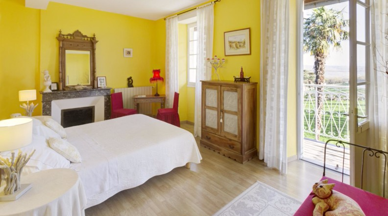 Chambre D Hotes Canterou Reference G421011 A Monein Pyrenees Atlantiques En 2020 Avec Images Chambre Hote Charme Chambre D Hote Chambre