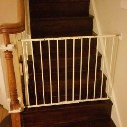 Wonderful Amazon.com : Kidco Safeway Gate, Top Of Stairs Gate, White : Indoor
