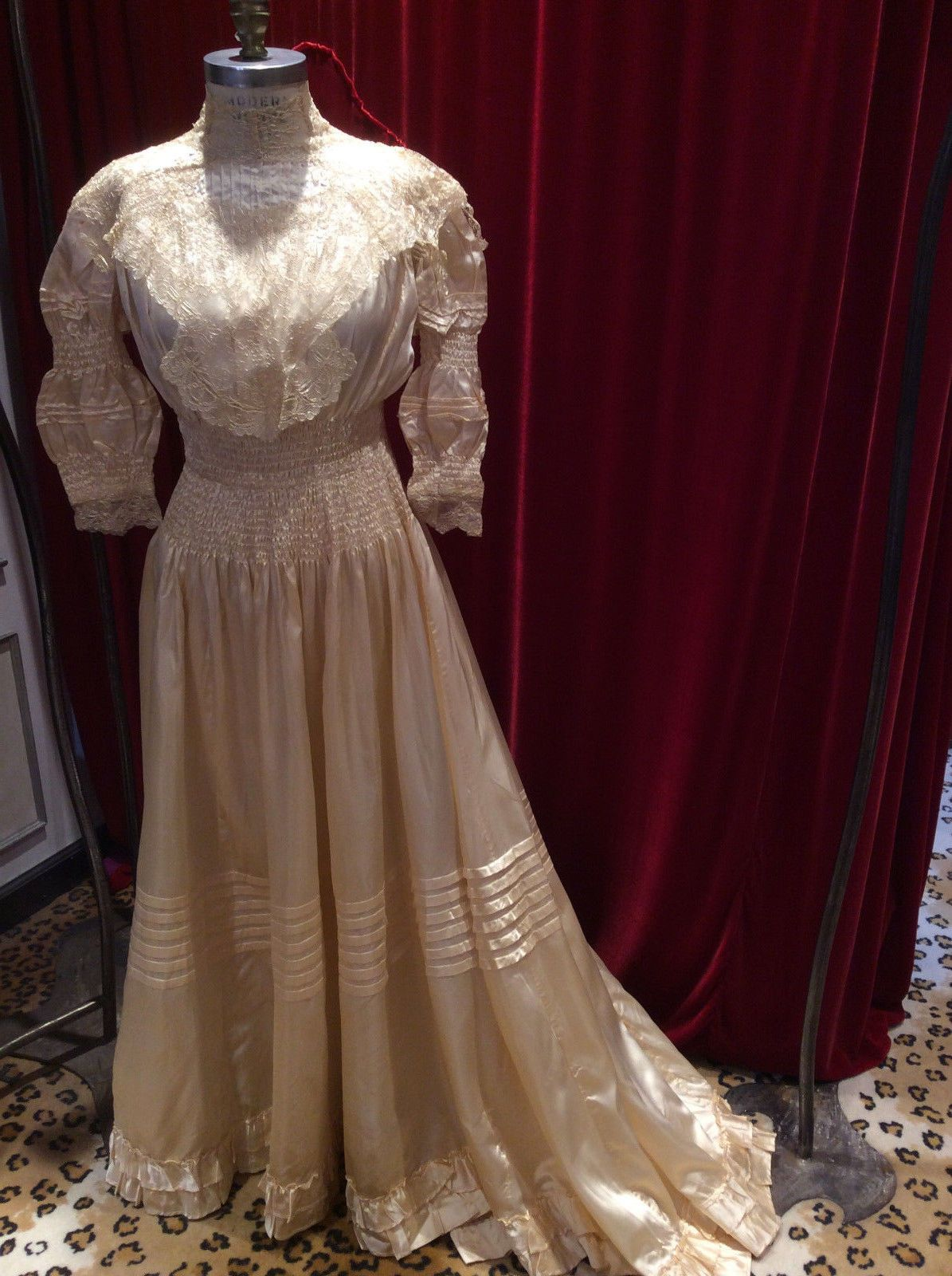 Antique Victorian Cream Satin Wedding Dress/Waist 23 ½