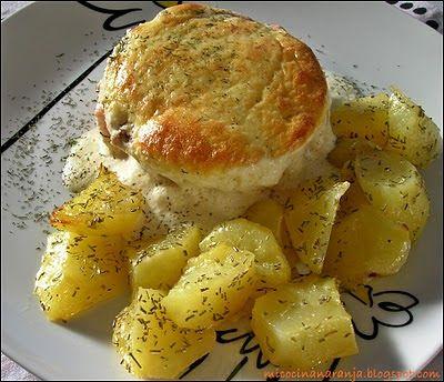 MI COCINA NARANJA: Milhojas de salmón con soufflé de puerro y patatas al romero