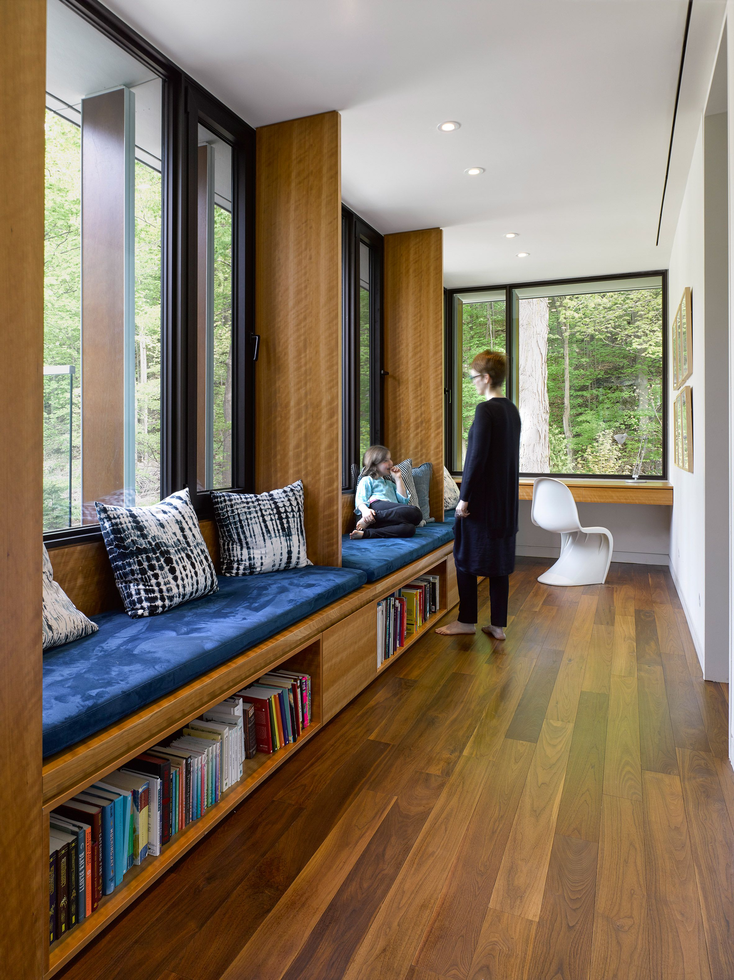 Valley House by Superkül | Modern farmhouse living room ...