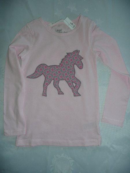 T-Shirts - T-Shirt mit Pferd Applikation - ein Designerstück von ...
