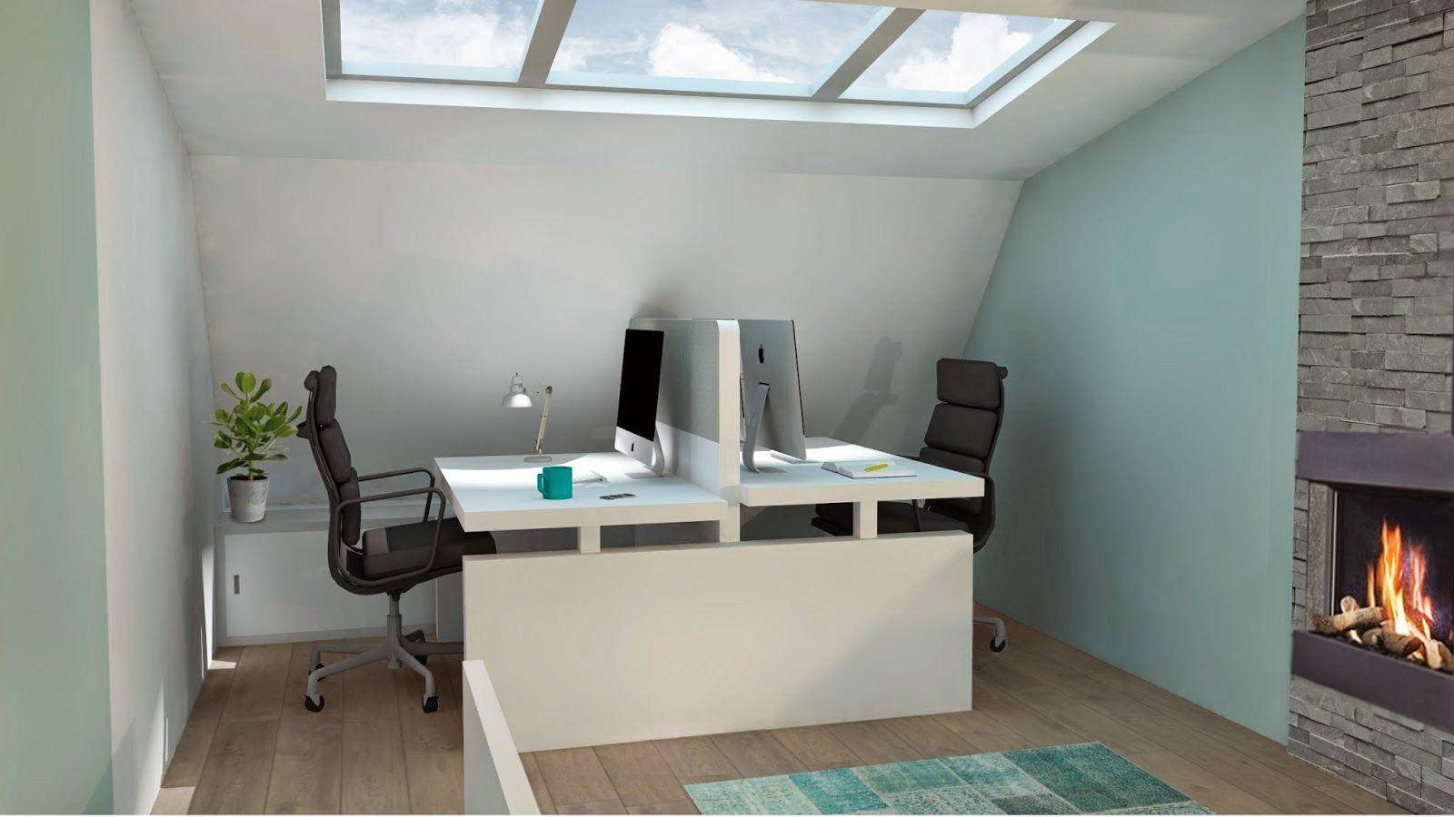 Mooi bij blauwe muren en houten vloer witte bureaus en zwarte