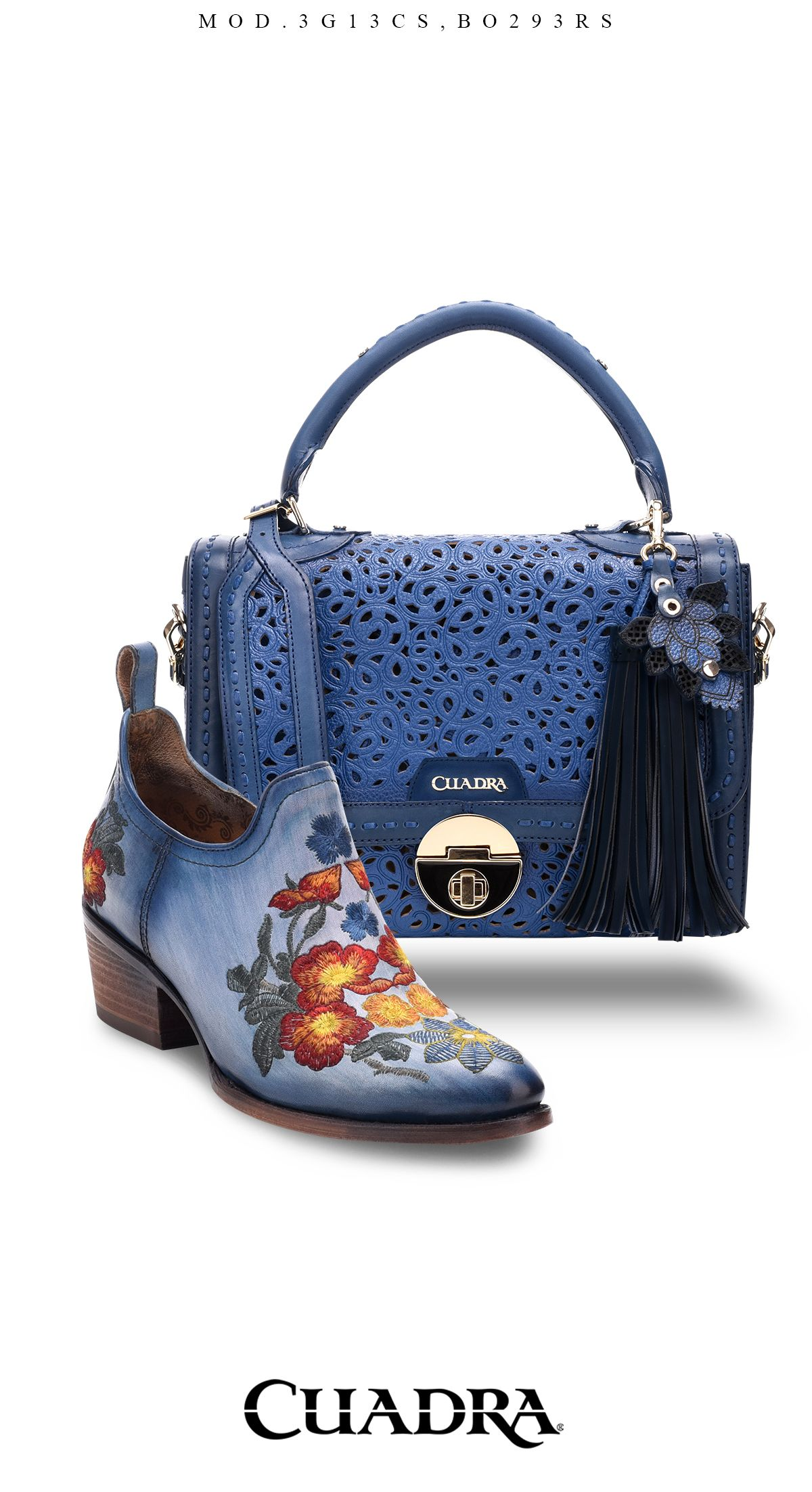 58304f08501 Luce increíble con estos modelos Cuadra.  botines  bolsa  womenpurse   fashion  mujer  woman  blue  azul