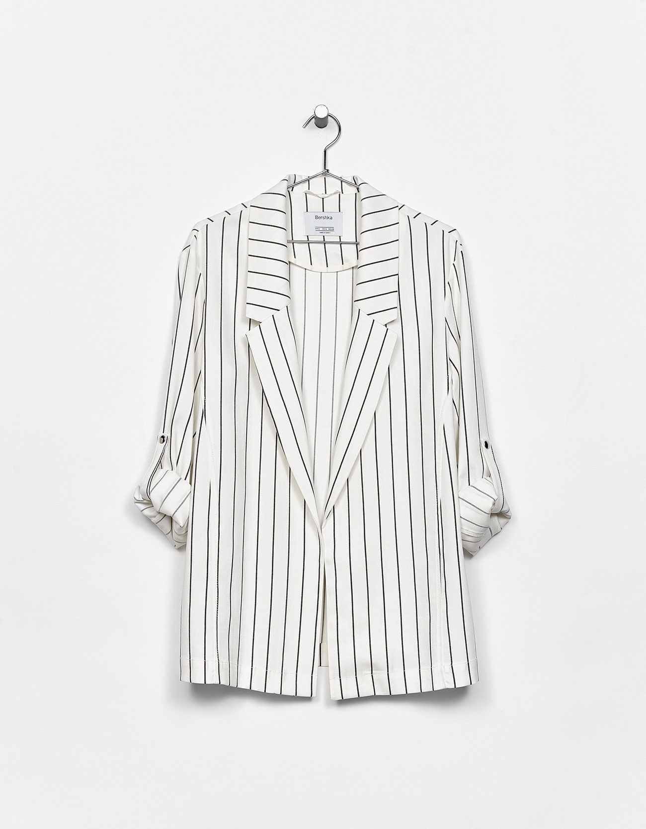 Flowing Blazer With Rolled Up Sleeves Coats Jackets Bershka Finland Women Blazer Jackets Ideas Of Stylish Clothes For Women Work Wear Outfits Clothes