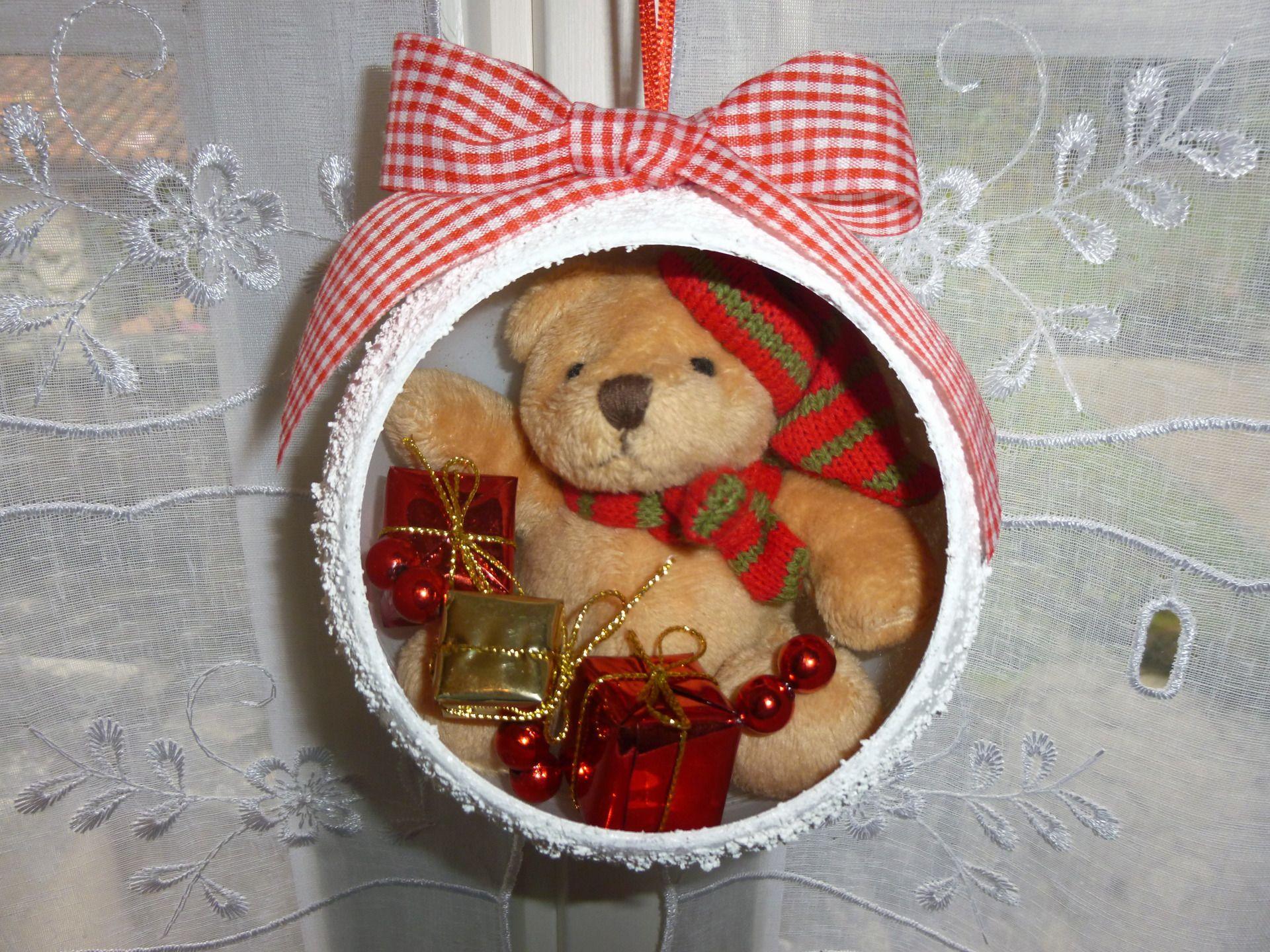 Boule de Noël l'ourson et ses cadeaux : Accessoires de maison par creareves