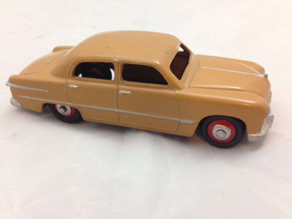 Dinky Toys Ford Sedan Diecast Car Model 4\