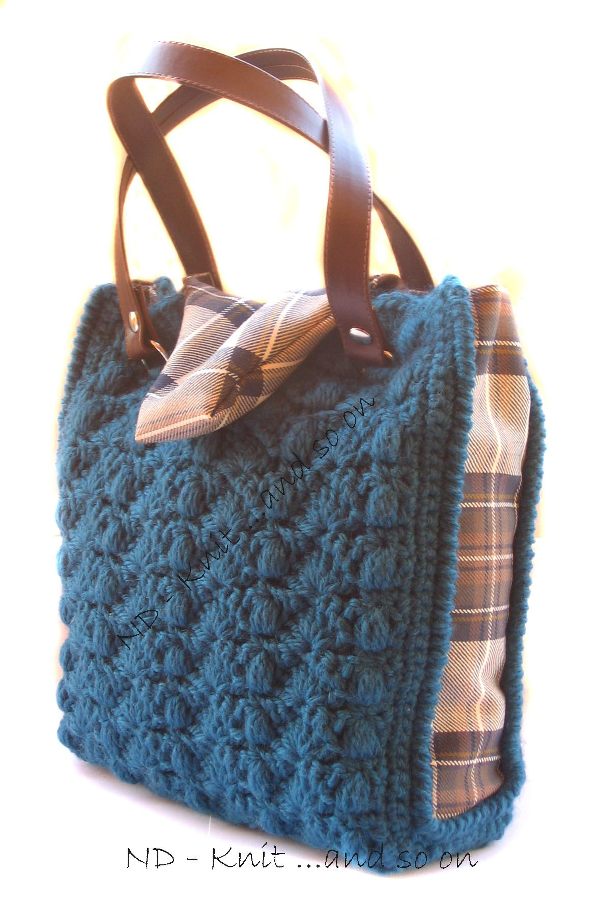 """""""MRS DARCY"""" - Tricot bag   Design and made by: Nunzia Diglio"""