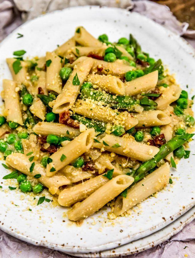 Foodista   5 Simple and Delicious Pasta alla Carbonara Recipes  Delicious Pasta Carbonara