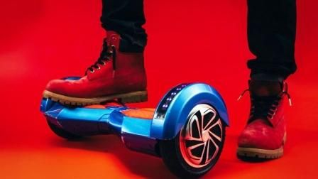 How To Ride A Hoverboard Hoverboard And Self Balancing Scooter