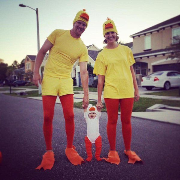 59 Family Halloween Costumes That Are Clever Cool And Extra Cute  sc 1 st  Pinterest & 59 Family Halloween Costumes That Are Clever Cool And Extra Cute ...