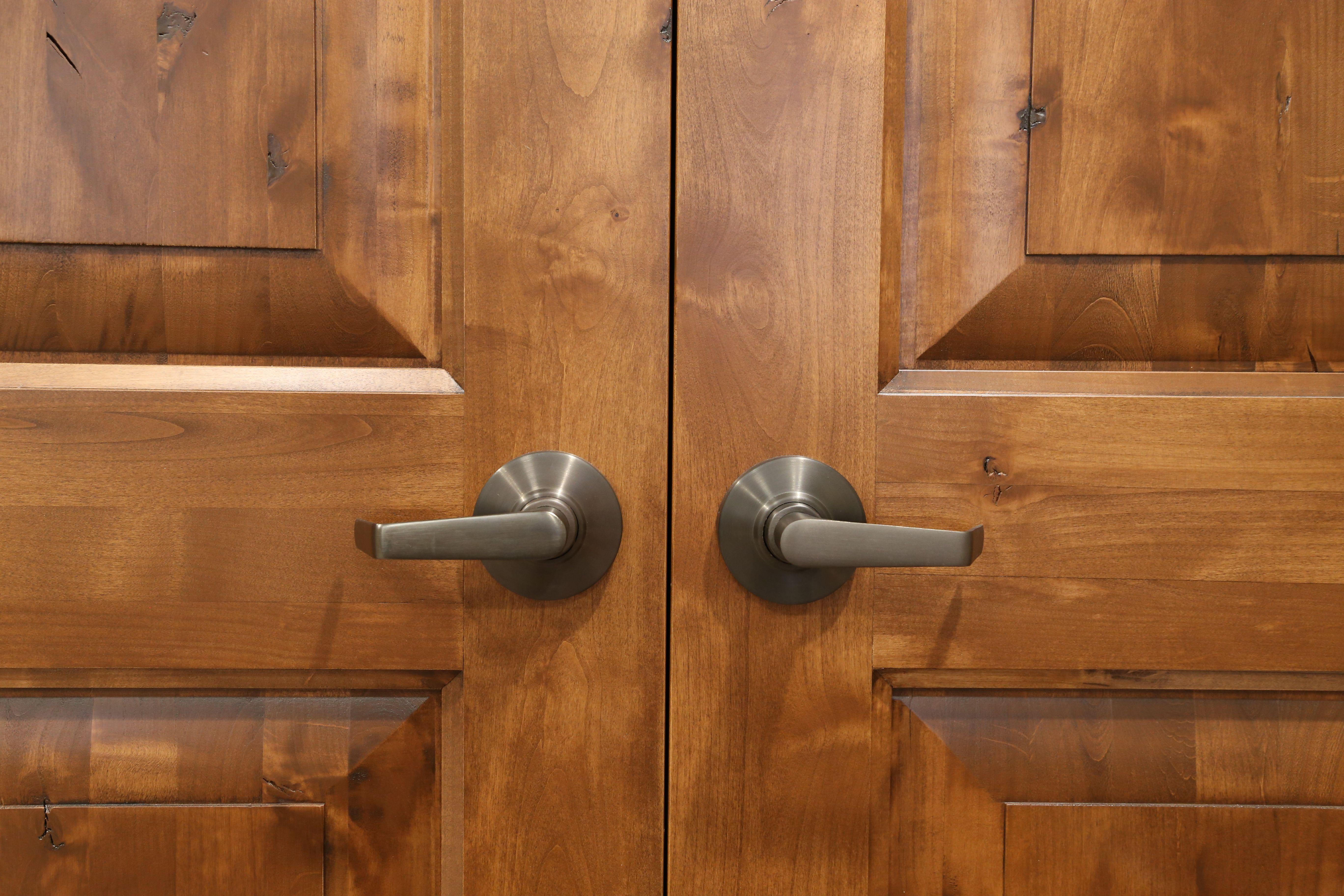 Interior Doors | Knotty Alder With Our Sierra Glaze, Pre Finish | Bayer  Built