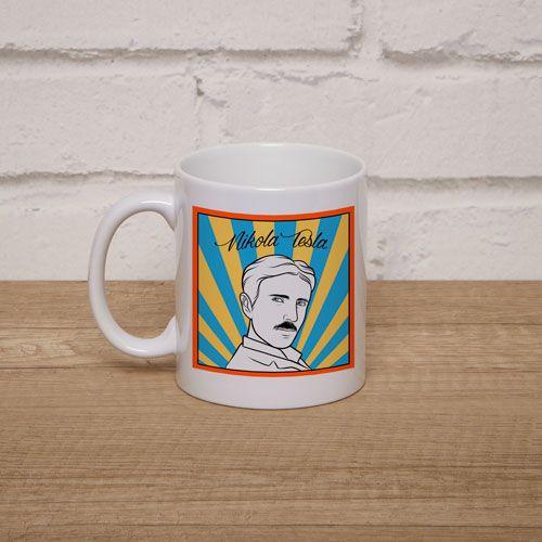 Taza Personalizada con imagen del inventor Nikola Tesla enmarcado en llamativos colores y con su nombre con clásica tipografía, ideal para los seguidores del inventor.