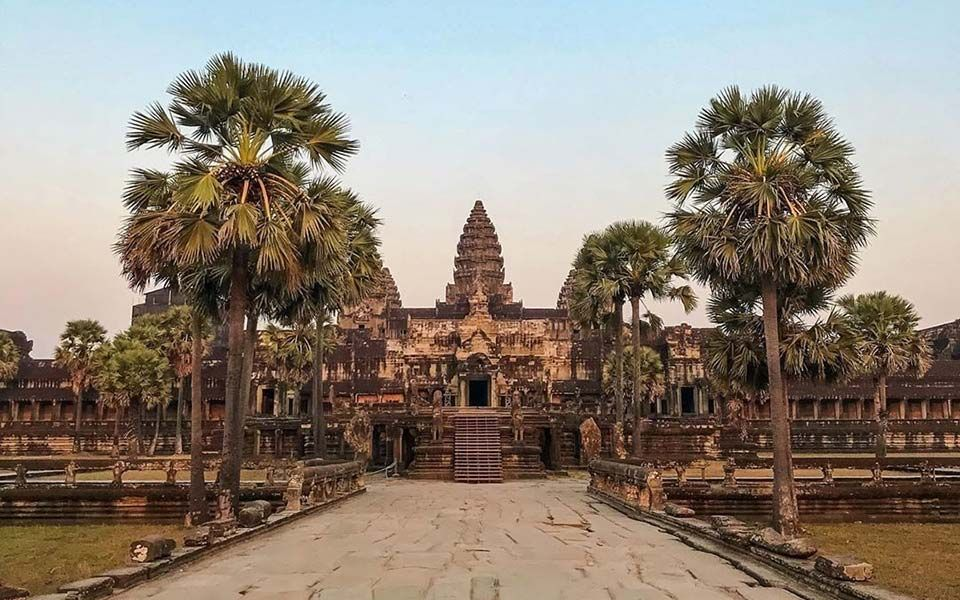 If you have ever dreamt of visiting Cambodia's magnificent temples, now is the ideal time. In an effort to boost tourism numbers in the face of the COVID-19 fall out, the government has offered an incentive to visitors by extending pass validity. Angkor Archaeological Park passes will now provide extended access with single day passes […]The post Angkor Archeological Park Passes Extended In Tourism Lifeline appeared first on Siemreap.net.