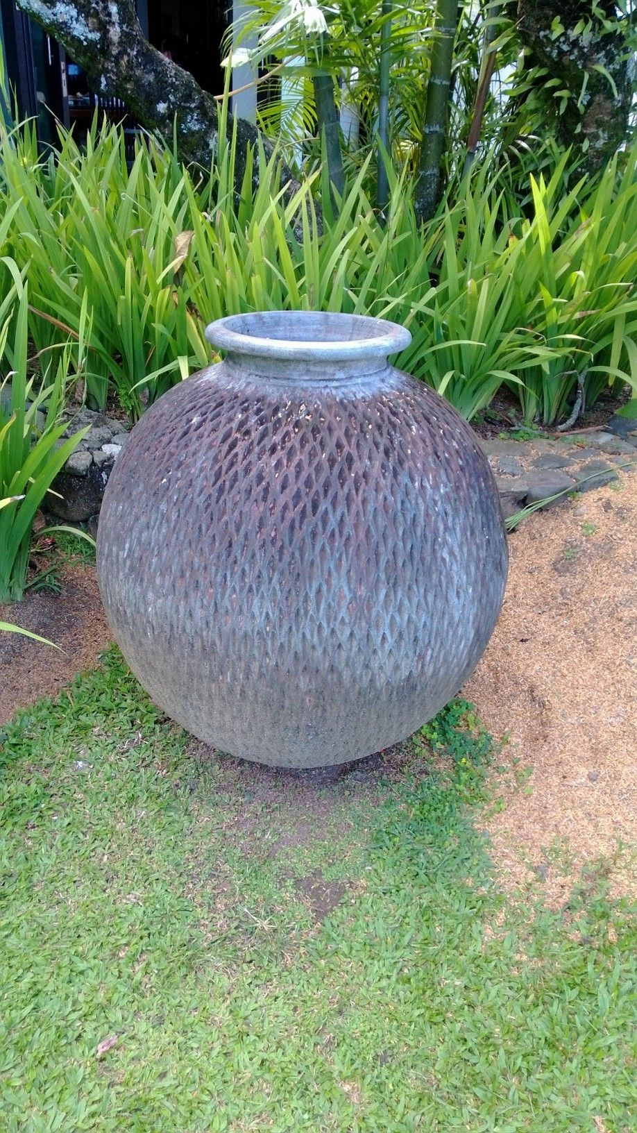 Pot in Fiji (With images) | Outdoor ottoman, Outdoor decor ...