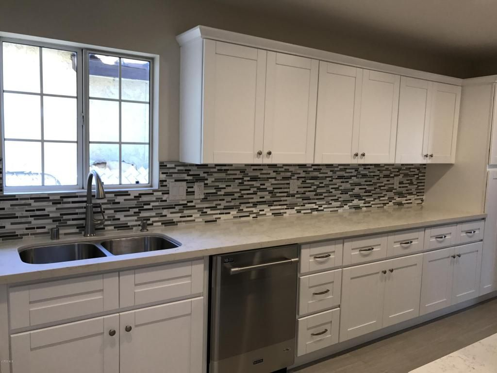 11363 Aster Street Ventura Ca 93004 Photo 17 Kitchen Cabinets Kitchen Home Decor