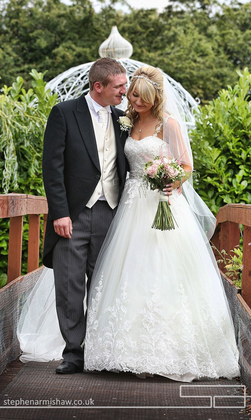 Relaxed Wedding Photography At Lazaat By Top Destination Photographer Stephen Armishaw Of Beverley Hull Marbella Malaga