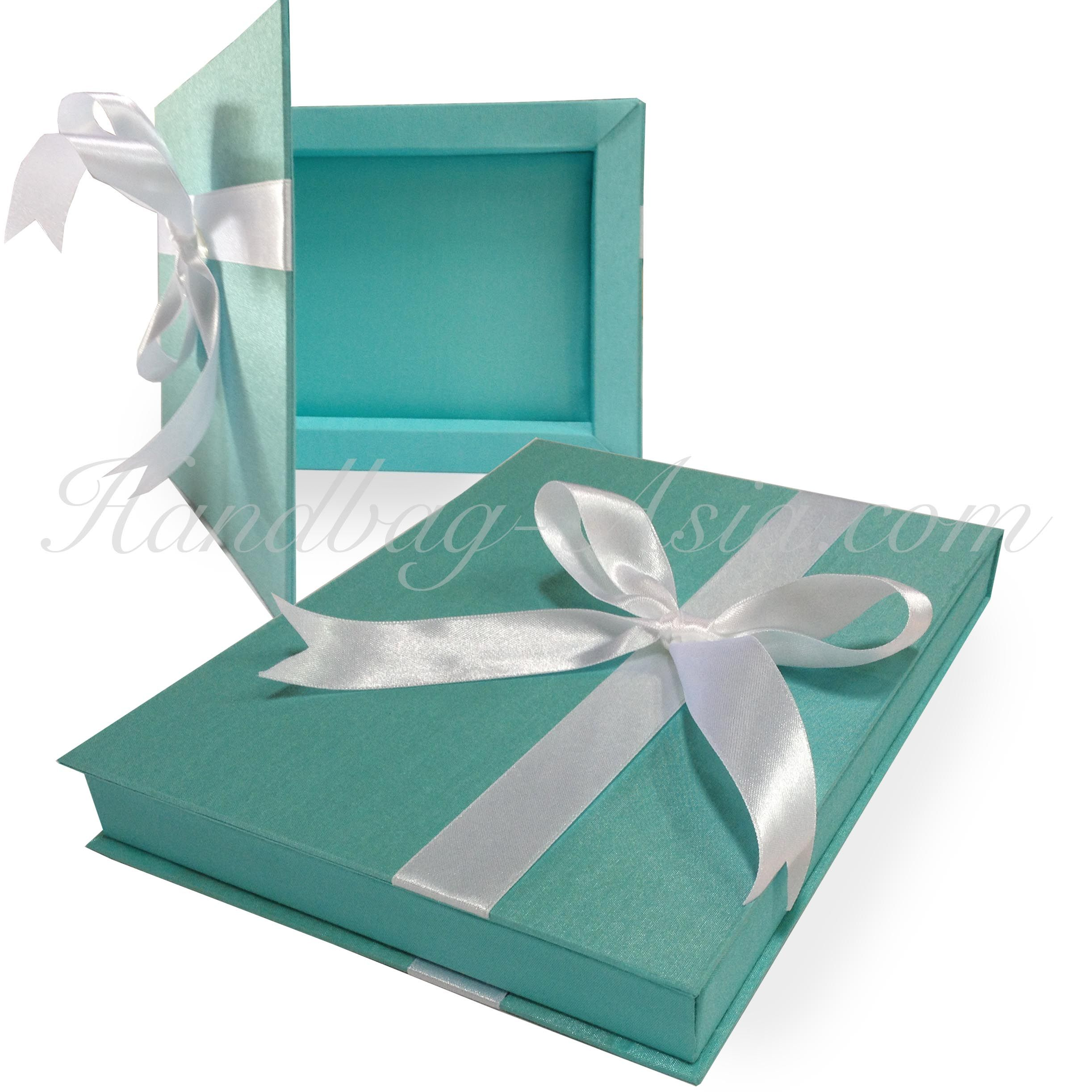 Silk Box For Glass Invitations. Pack your luxury glass