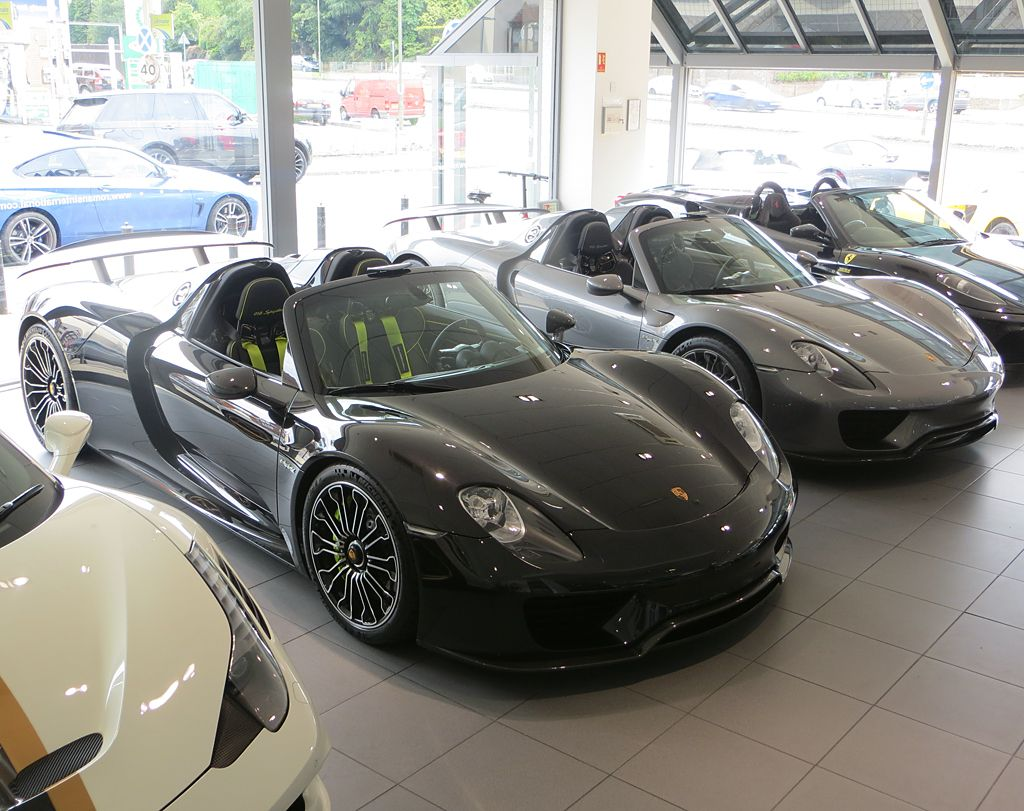 We have another 918 arrival! Why have 1 when you can have 2. Which