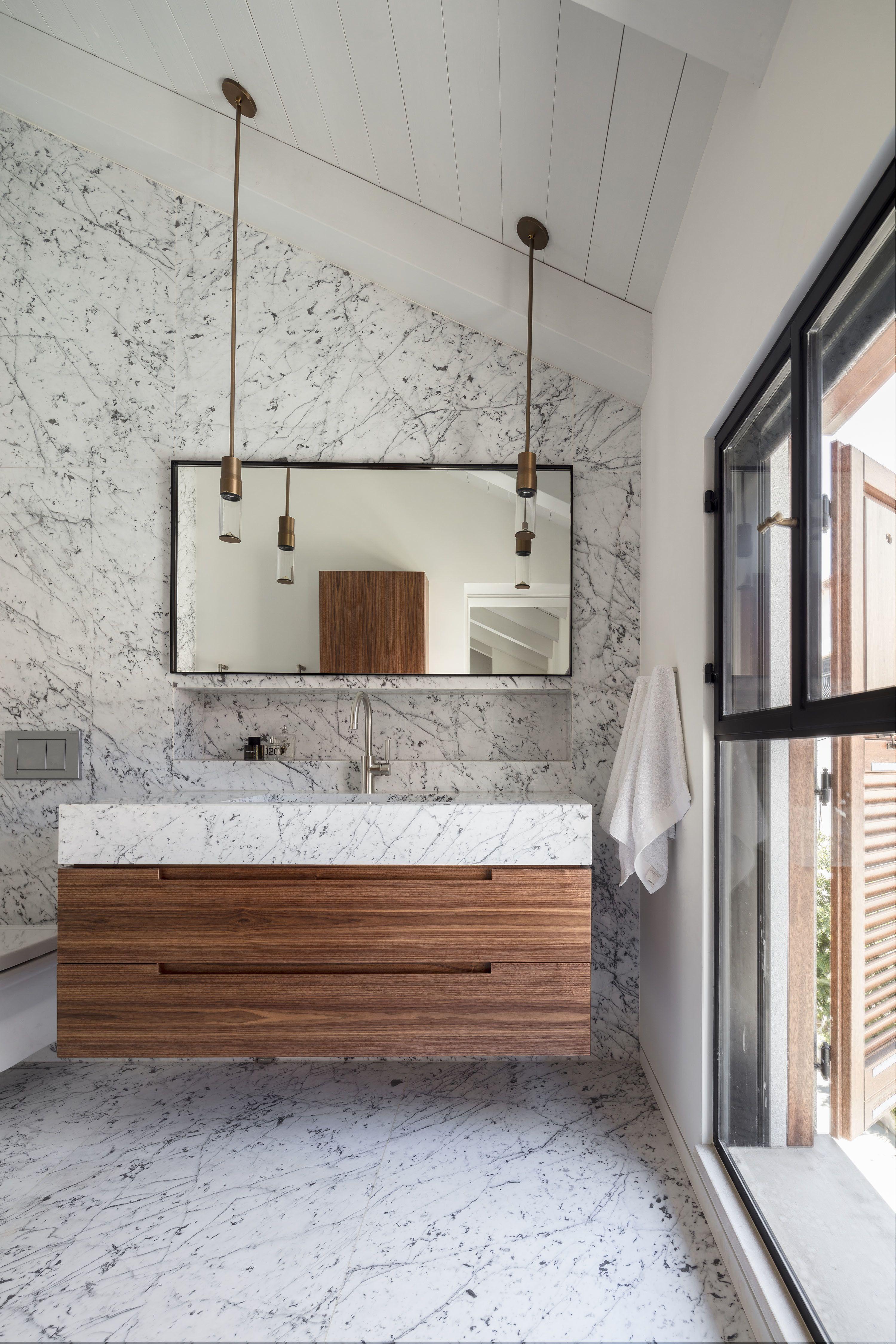 The Charm Townhouse By Mga Meirav Galan Architect Simple Bathroom Decor Diy Bathroom Remodel Bathroom Interior