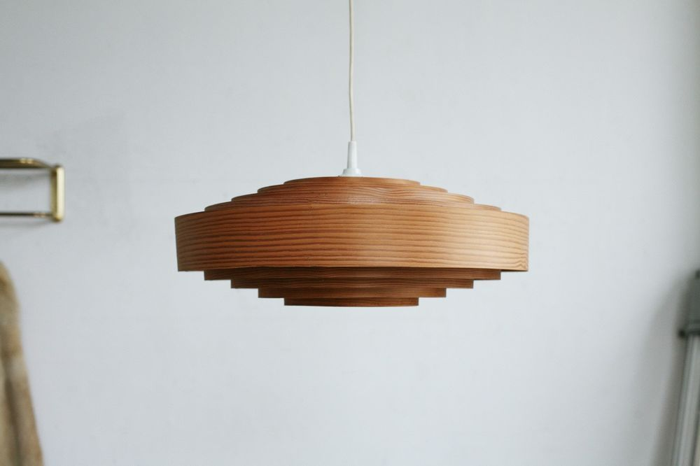 Interieur Mit Holz Lamellen Für Eine Warme Atmosphäre #atmosphare8 ...