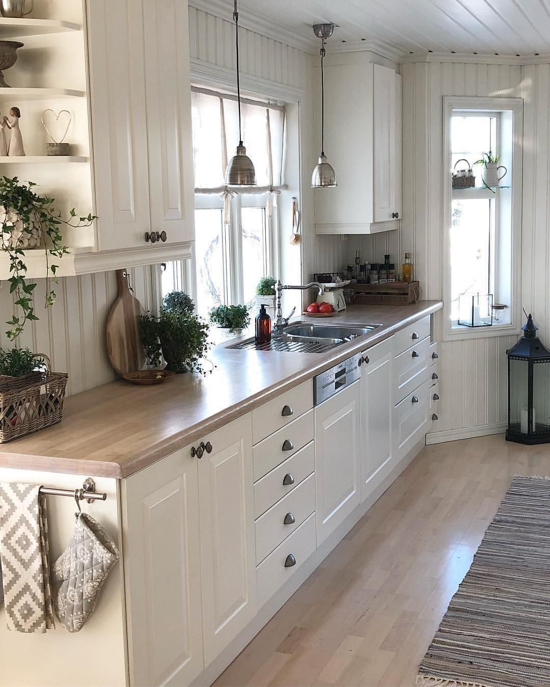 Pin by Emma Hellwarth on Kitchen/dining | Kitchen remodel ...