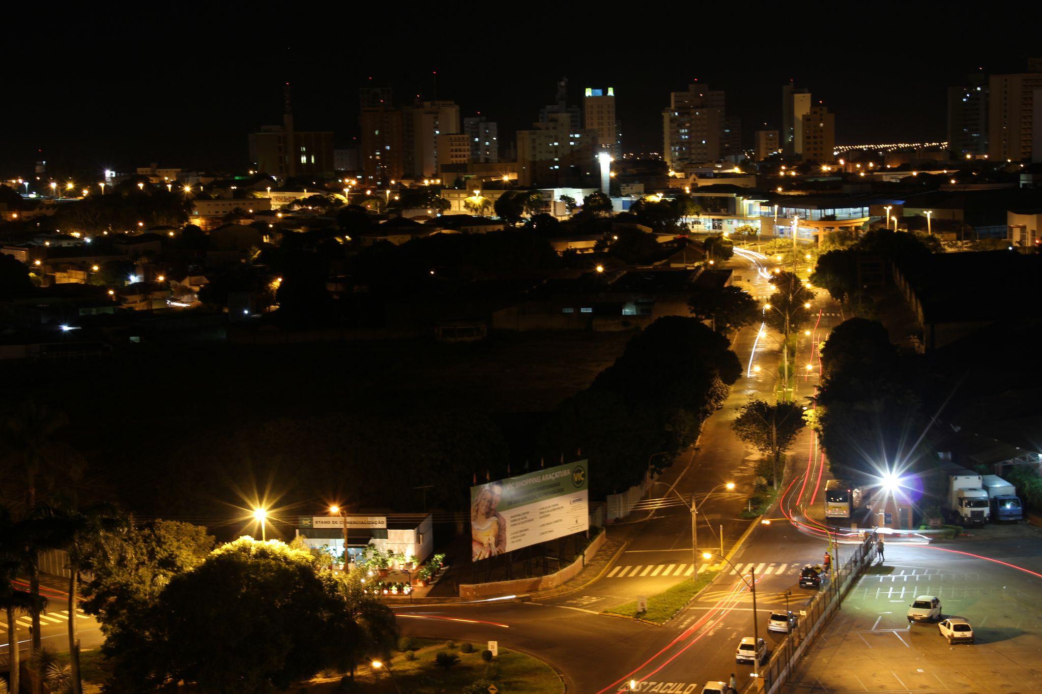 https://flic.kr/p/ed9cAf | Araçatuba Night | Click noturno para o centro de Araçatuba.