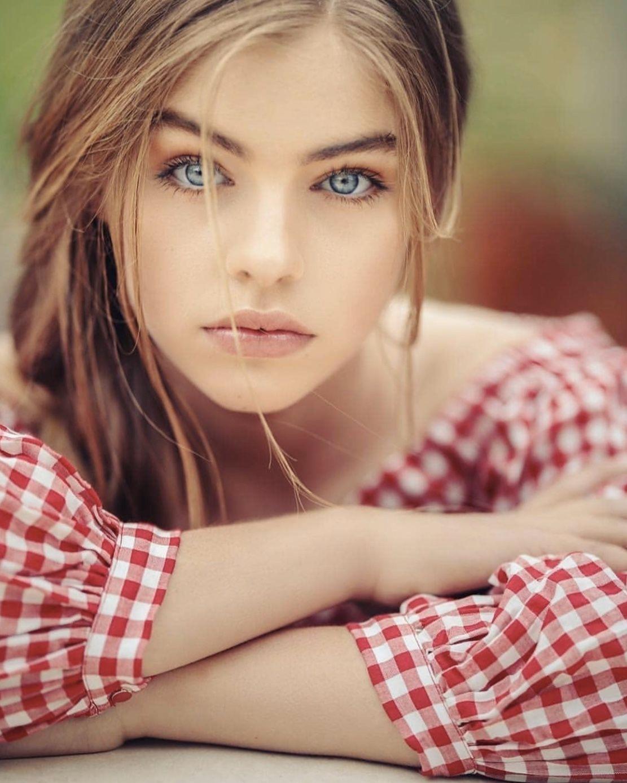 Pin by Ek Lafz on Photography   Long hair styles, Looking