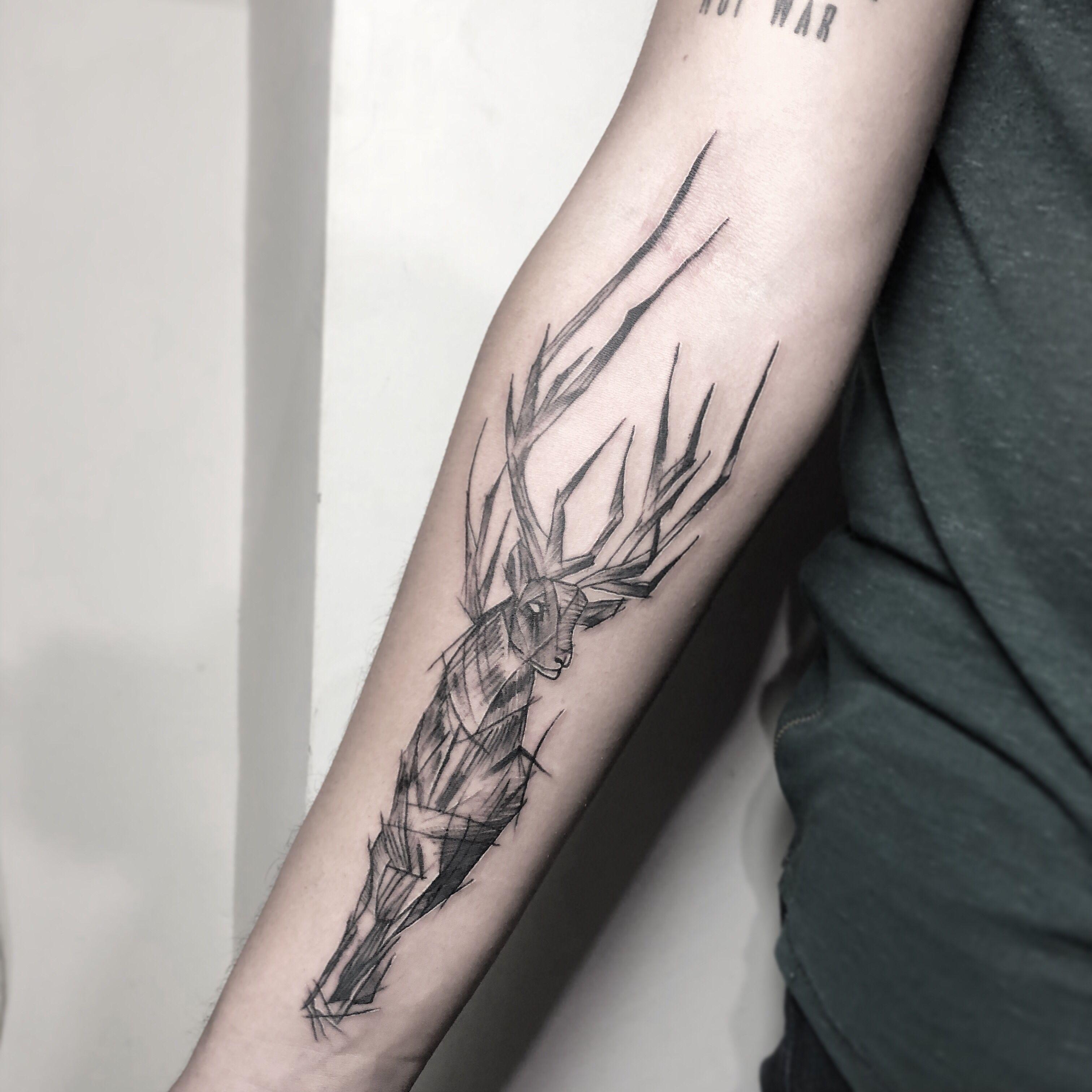 Geyik Dovmesi Deer Tattoo Elvin Ink Antalya Dovme Dovme Fikirleri Geometrik Dovmeler