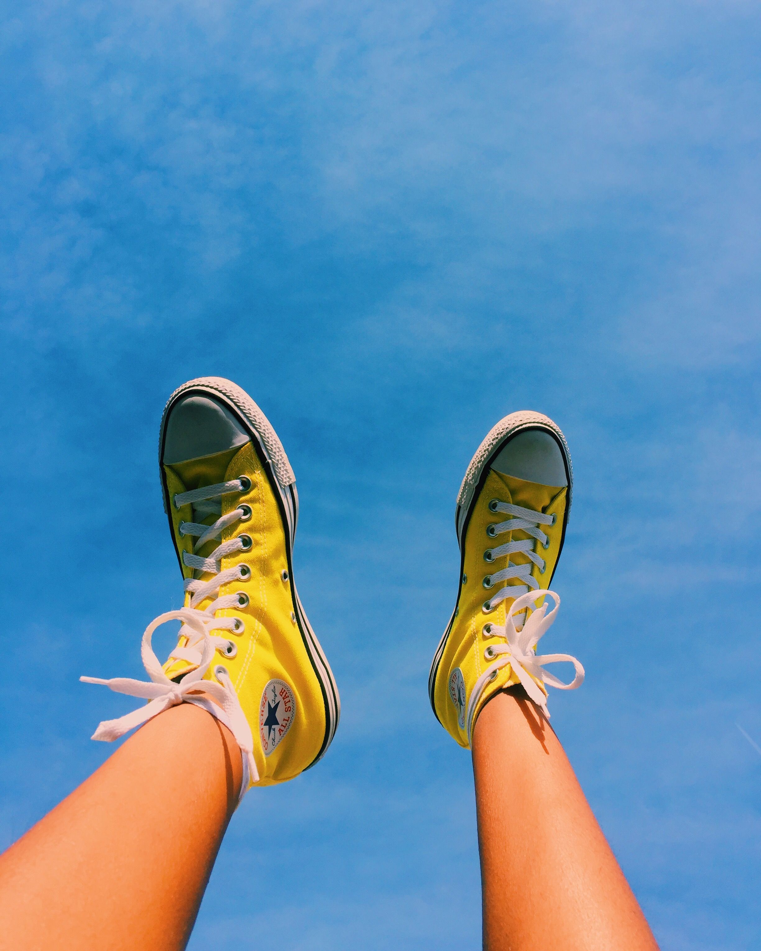 I Need A Pair Of Yellow Converse So Bad Pinterest Beccaklap