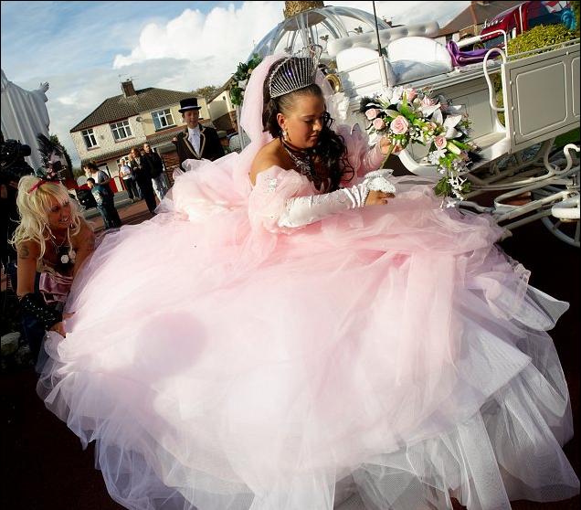 gypsy irish travellers | Irish Traveller wedding dresses ...