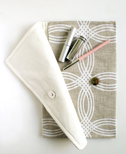 Simple clutch sewing tutorial girl. Inspired.