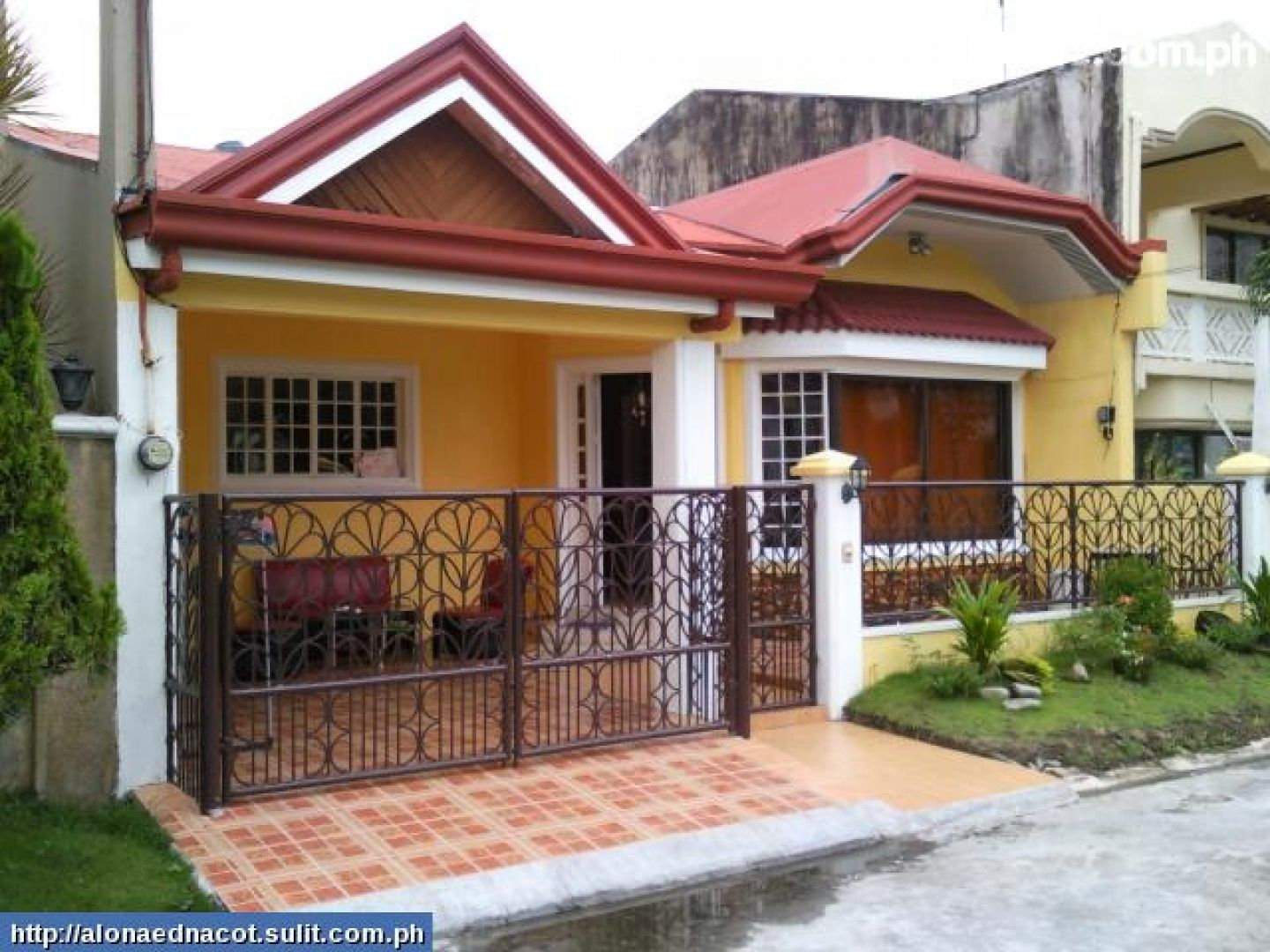 Floor plans 3 bedroom bungalow house plans philippines 3 for Front design of small house