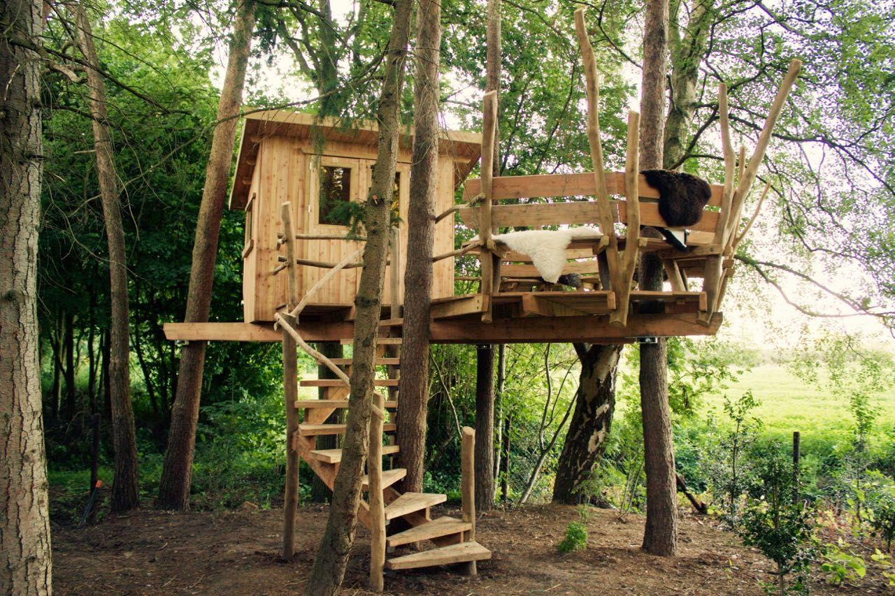 6x Inspirerende Boomhutten : Treelounge hamer & hark treehouse boomhut pinterest