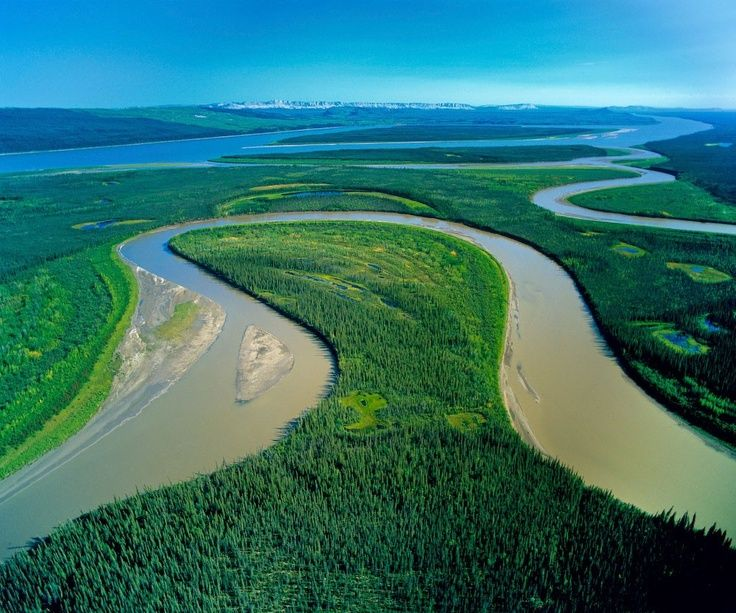 Mackenzie river north america natural beauty for Beautiful natural places in america