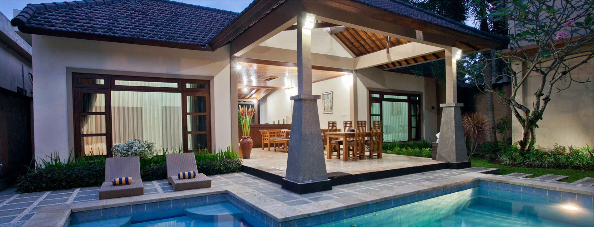 Stay At Gracia Bali Villas A Private Traditional Balinese Cottage Get The Real Balinese Experience Www Booking Bali Villas Com Modellhaus Schwimmbader