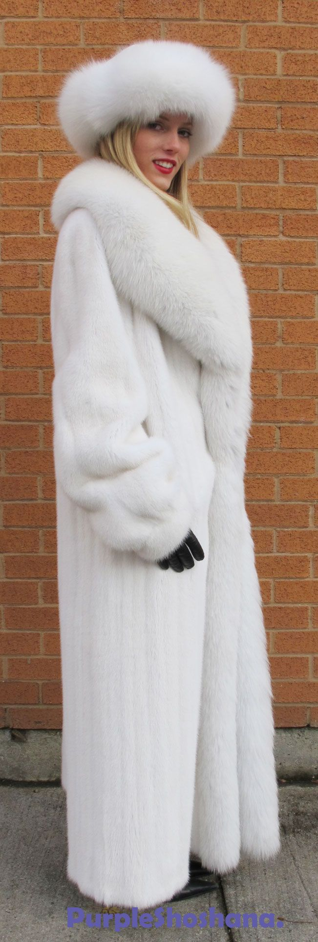 white mink and fox fur | Yes it's REAL | Pinterest | Fox fur, Mink ...